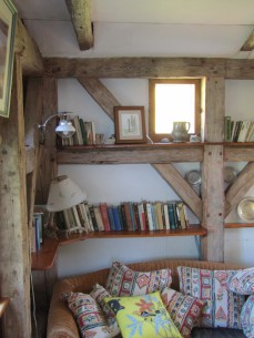 Cozy-book-corner-timber-frame
