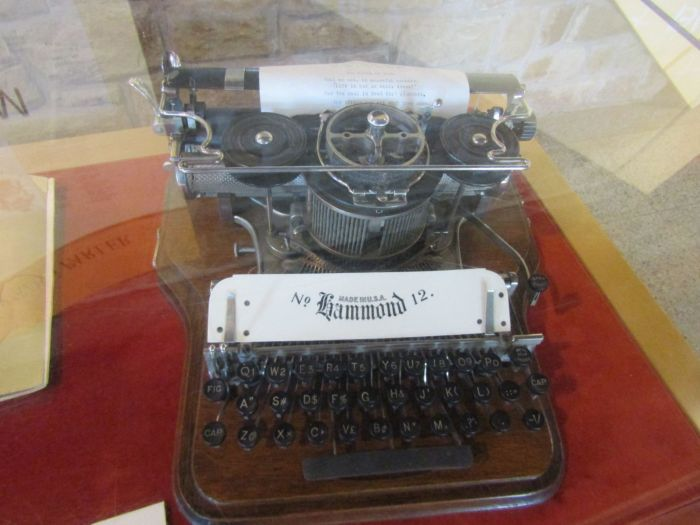 Typewriting-for-teaching-deaf-to-speak